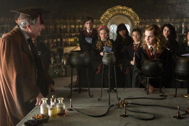 Harry_Potter_and_the_Half-Blood_Prince_3.jpg