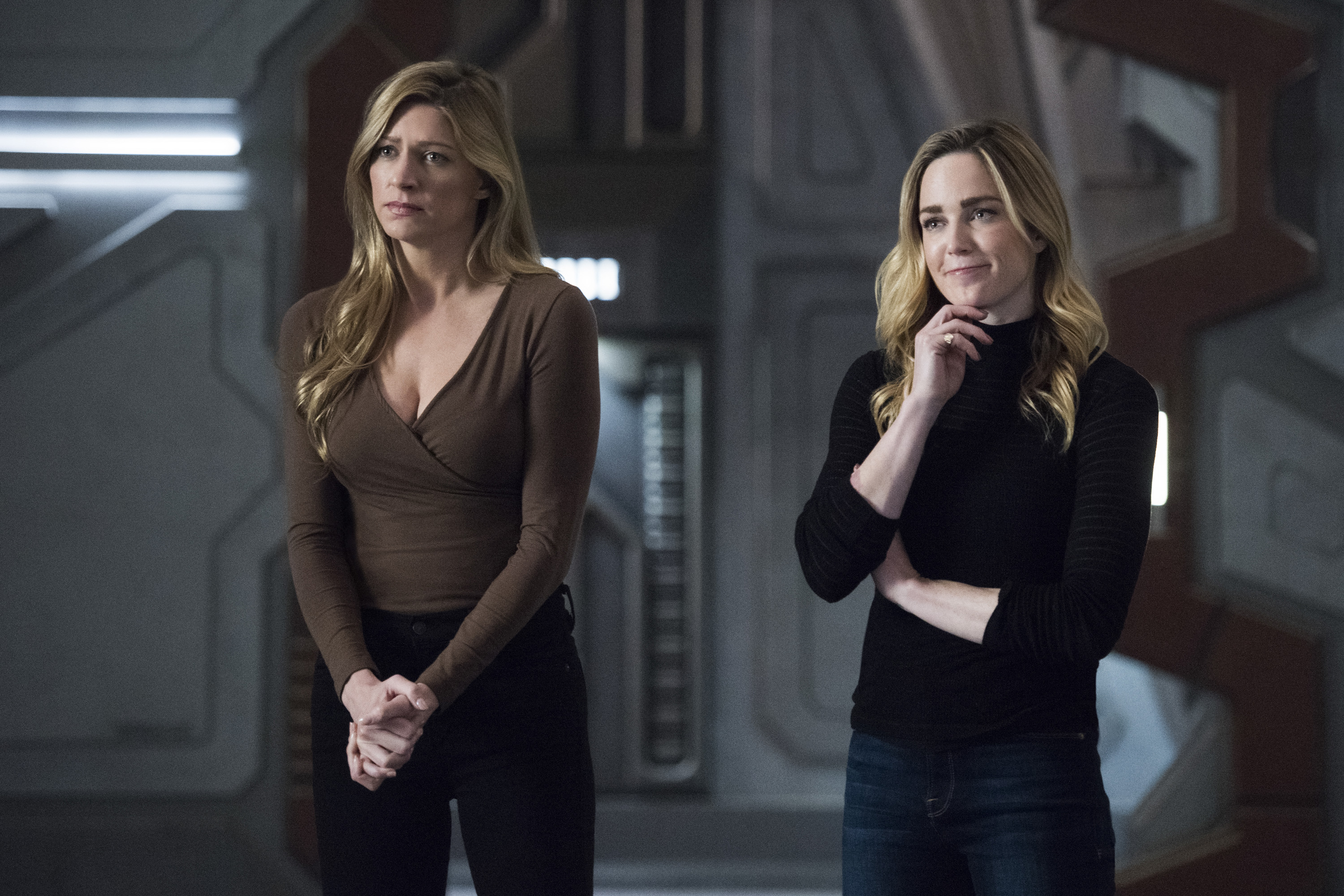 legends-of-tomorrow-episode-4-15-terms-of-service-9