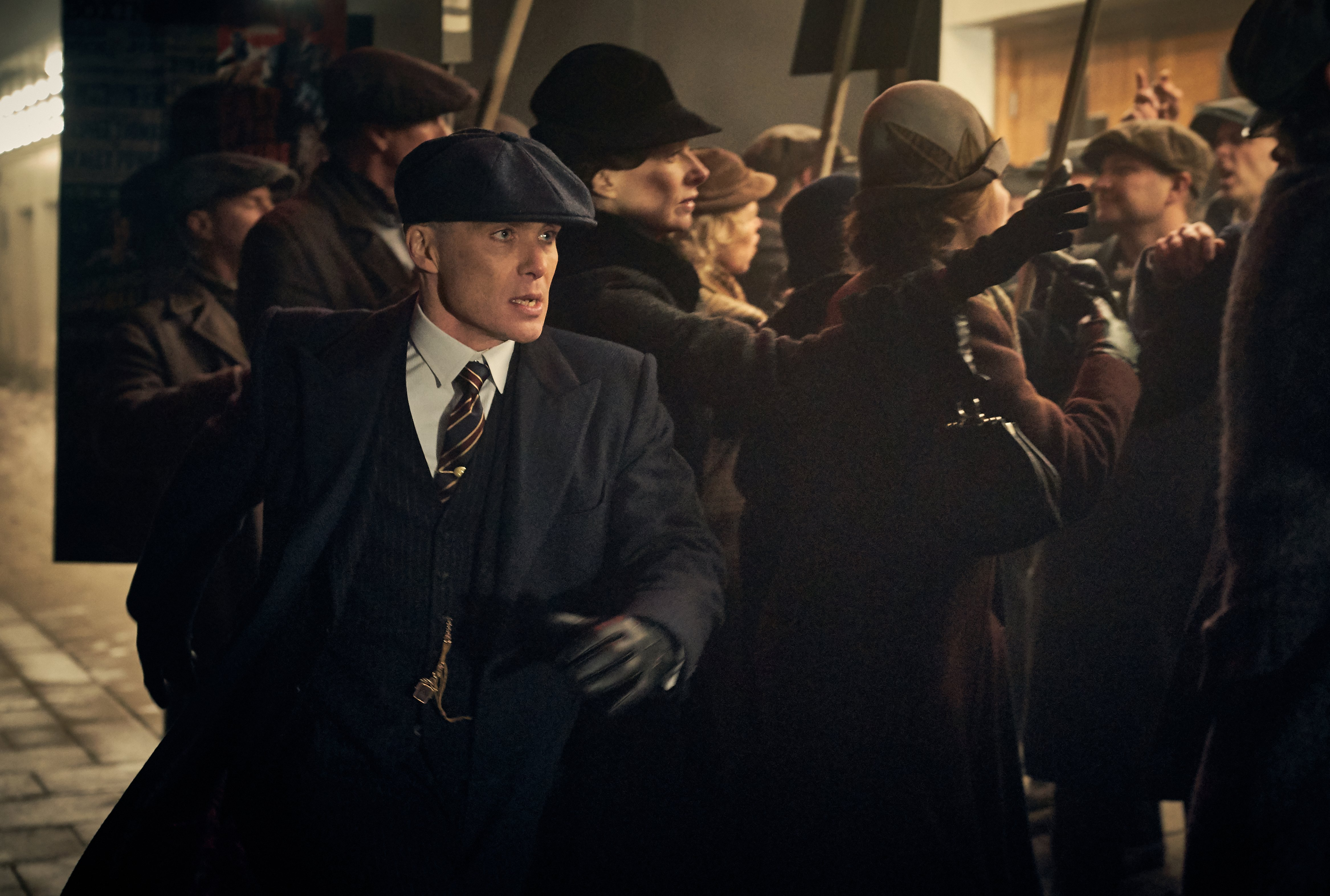 Cillian Murphy (Tommy Shelby) in Peaky Blinders | Series 5 (BBC One) | Episode 06 Photographer: Robert Viglasky © Caryn Mandabach Productions Ltd. 2019