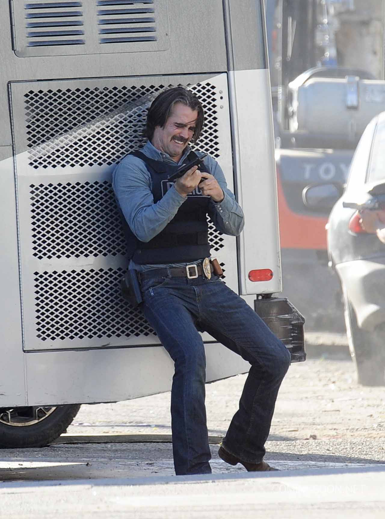 Colin Farrell and Taylor Kitsch gets caught in a tight spot on the set of