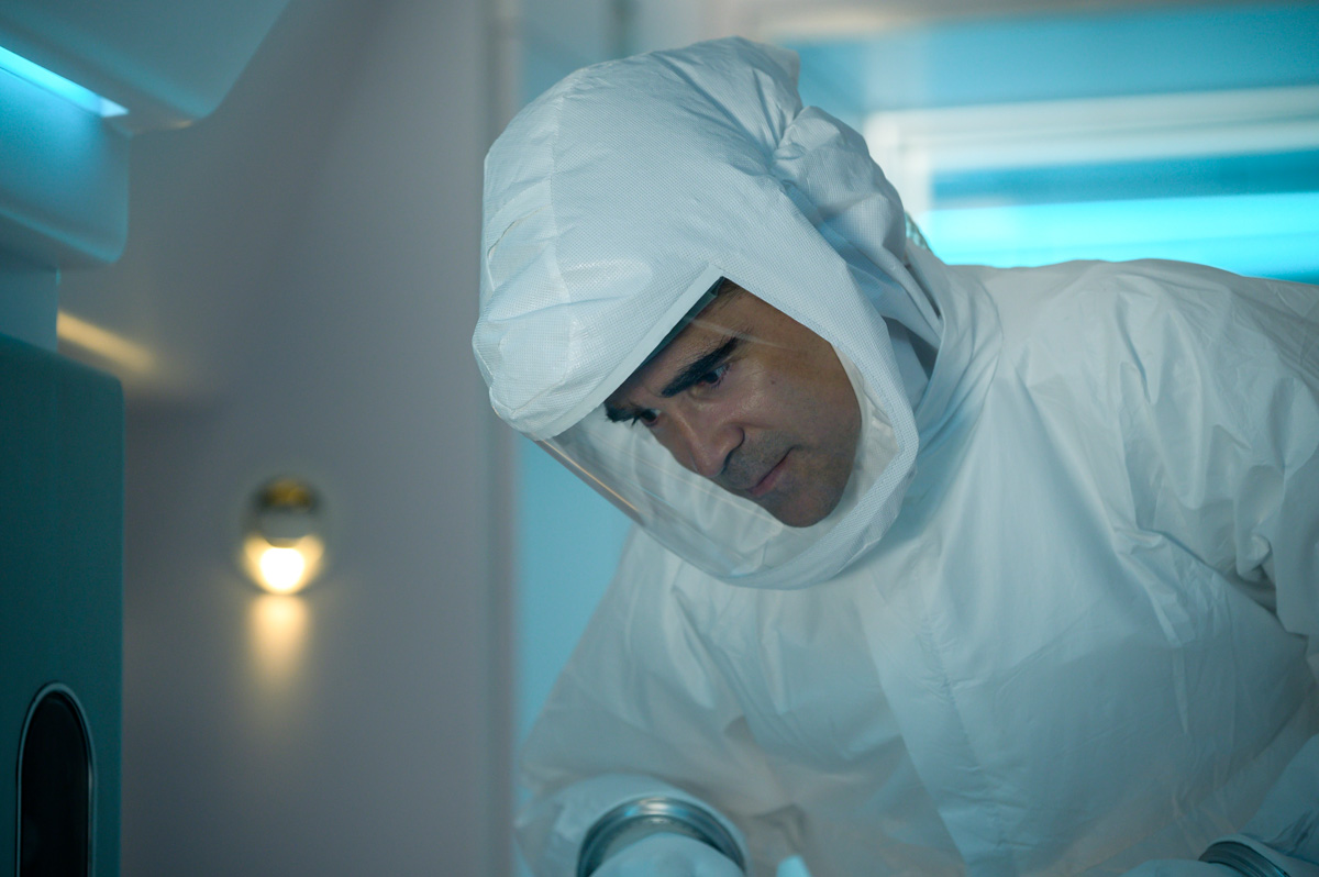 Colin Farrell as Richard in Voyagers. Photo Credit: Vlad Cioplea
