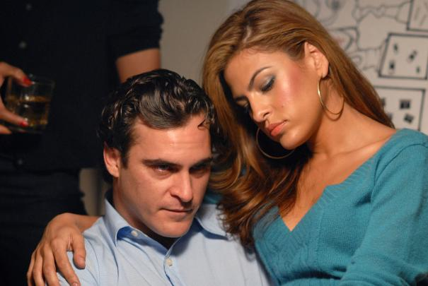 We_Own_the_Night_Joaquin_Phoenix_Eva_Mendes_2.jpg